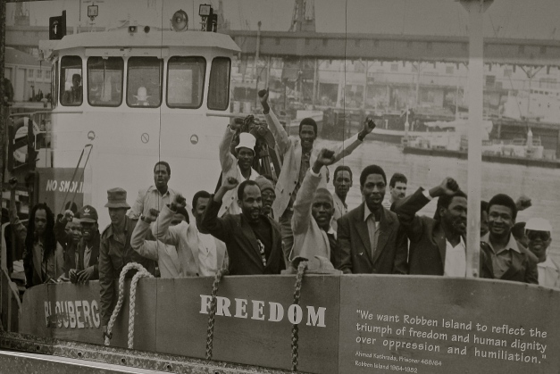 Political prisoners going back home after being released at the end of apartheid.